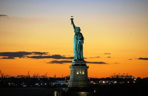 statue-of-liberty-992552_1920